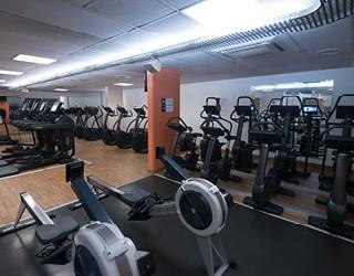salle de sport one paris cmg sports club. Black Bedroom Furniture Sets. Home Design Ideas